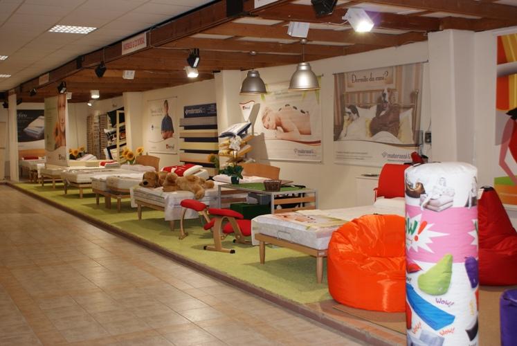 Negozi arredamento cagliari veduta negozio sag for Arredo bagno cagliari