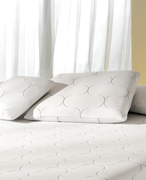 Pillows In Natural Non Allergenic Anti Dust Mite Fibres